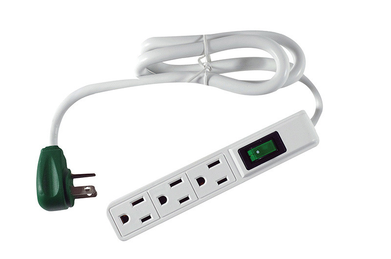 GO GREEN 3-Outlet Power Strip 2.5ft cord with Right Angle Plug