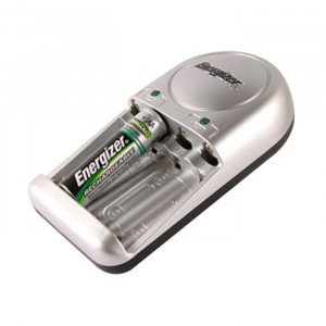 EVEREADY AA/AAA Battery Charger with 2 AA Batteries
